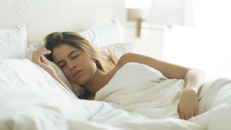 mennyi alvás szükséges a fogyáshoz